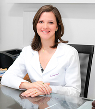 Dra. Larissa Fernandez Correia Brandão