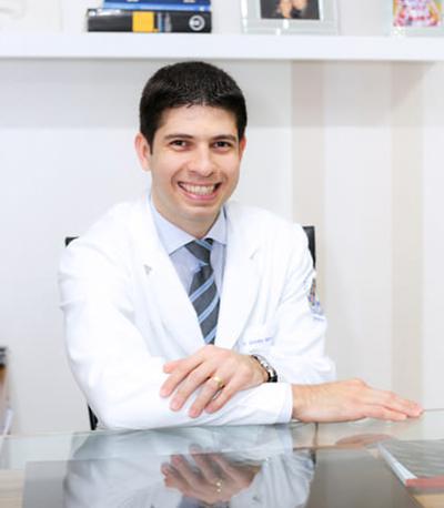 Dr. Gustavo Barros Araujo Almeida
